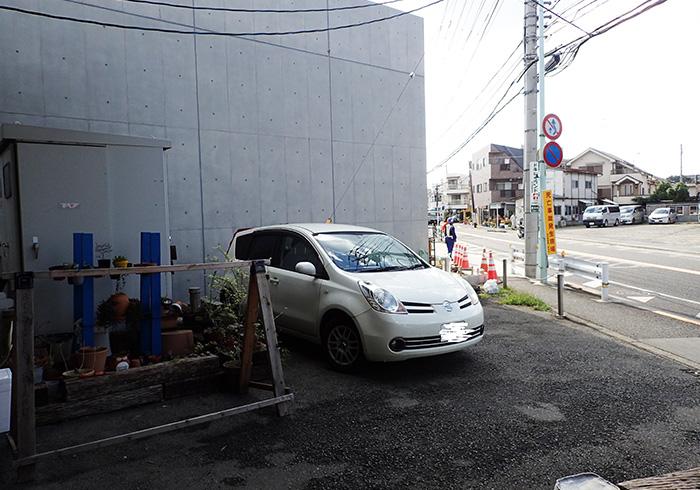 駐車場 店舗前